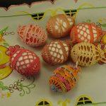 Вязанный декор на яйцах