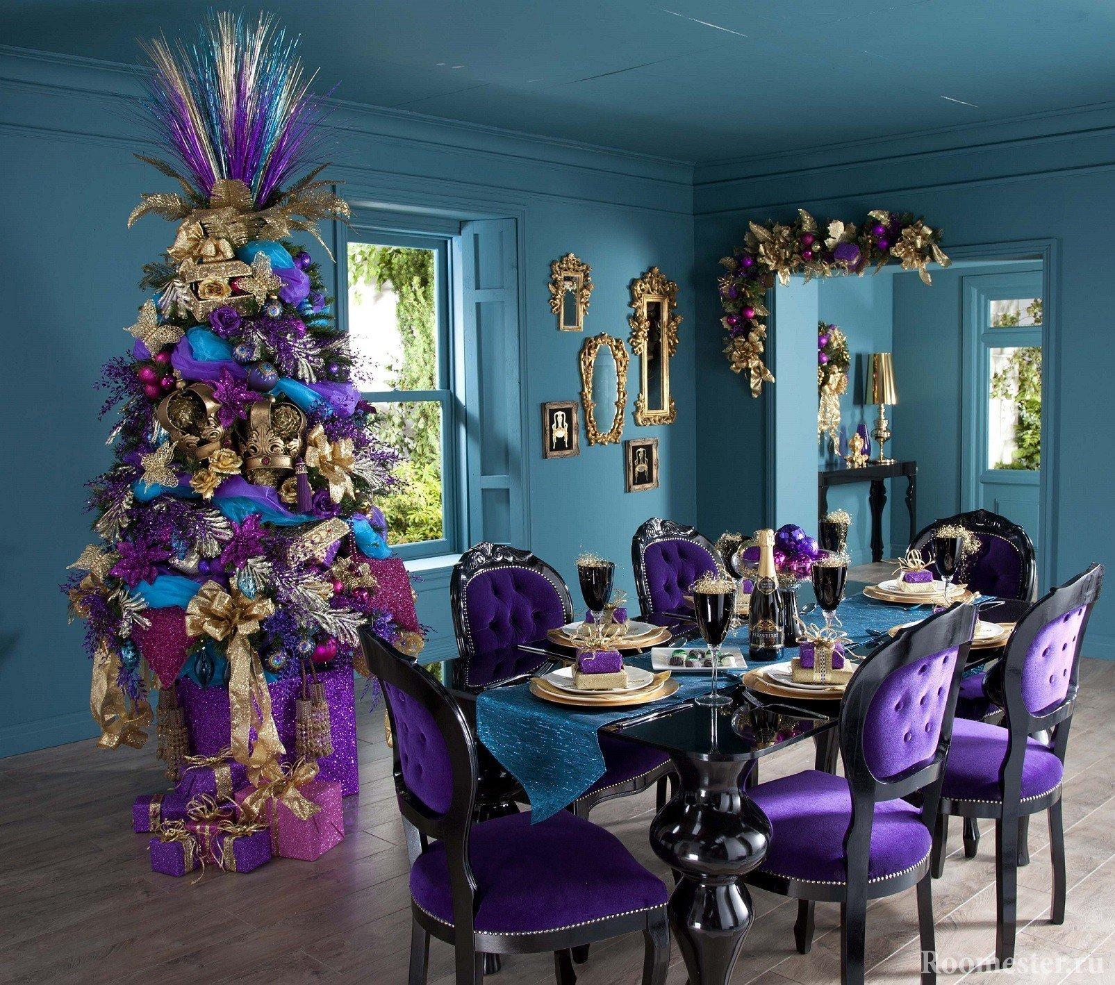 Новогодняя комната в сиреневом цвете