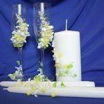 Свечи и бокалы с декором