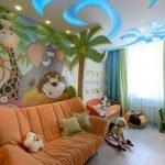 Потолок с узорами в детской