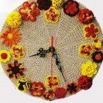 Контур из цветов на часах