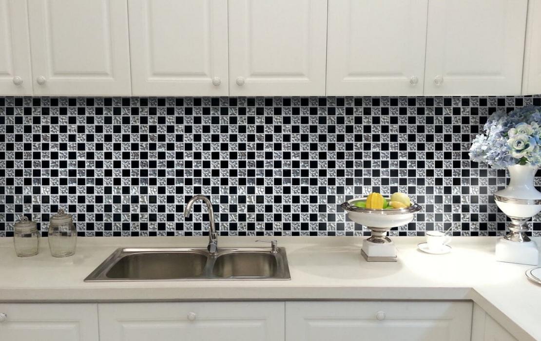 Фартук из мозаики в интерьере кухни
