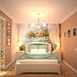Картины на стенах спальни