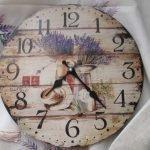 Часы с деревенскими мотивами