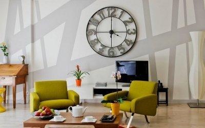 Часы в интерьере +75 фото примеров