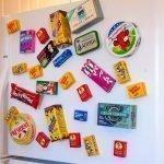 Магнитики на дверце холодильника