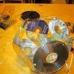 Перед установкой последних дисков следует установить электролампу в патрон