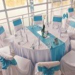 Бело-голубые скатерти и накидки на стулья