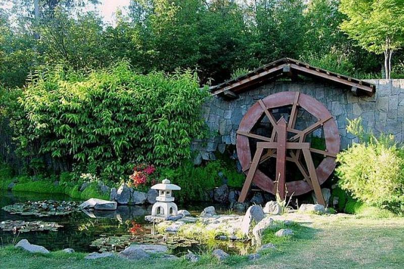 Декоративная мельница в японском стиле