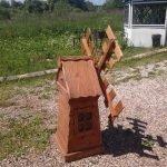 Декоративная мельница с окошком