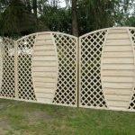 Красивый белый забор