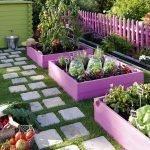 Красивый цветной забор