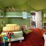 Подвесная кровать с лесенкой