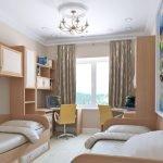 Мебель с одинаковым дизайном в детской