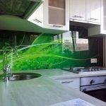 Угловая мойка на кухне