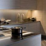 Интерьер с угловой кухней