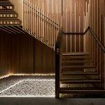 Коричневая лестница с подсветкой