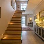 Подсветка вдоль лестницы