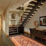 Прямая лестница с опорой