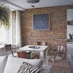 Оригинальные часы на стене под кирпич