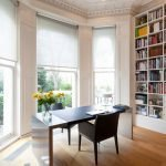 Шкаф с книгами в интерьере