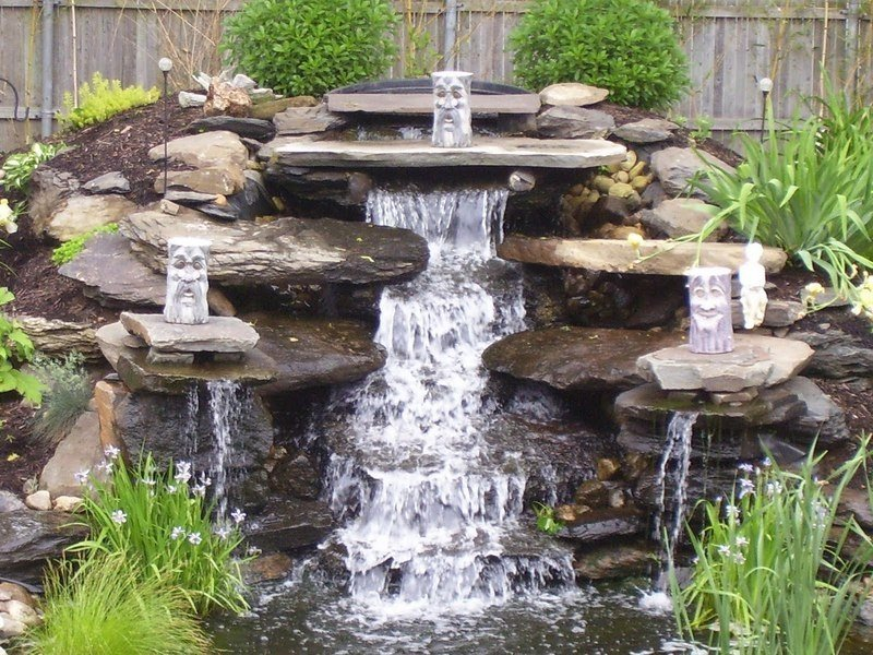 Водопад на приусадебном участке