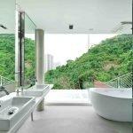 Шикарный вид из ванной комнаты