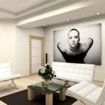 Сочетание белой мебели и темного коврика