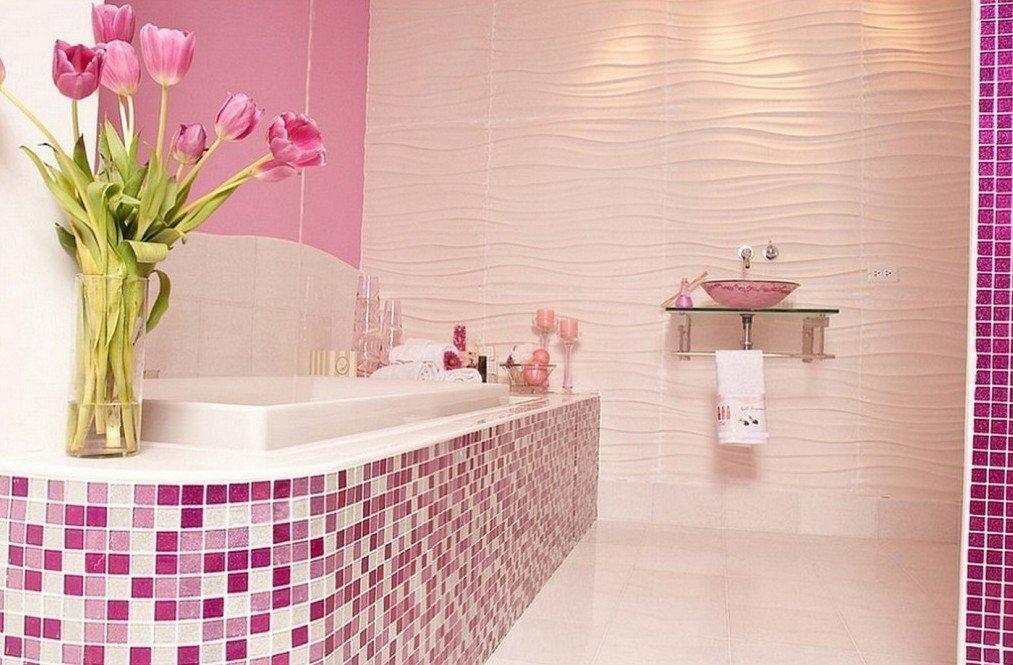 Ванная в розовом цвете с мозаикой