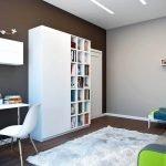 Коричневые крашеные стены в квартире