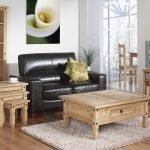 Интерьер с деревянной мебелью