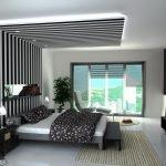 Черно-белый полосатый потолок над кроватью