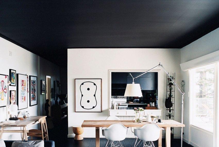 Кухня в черно-белом декоре