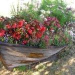 Лодка-цветник