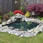 Оформление водоема камнями