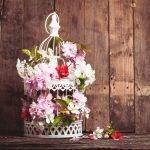 Декор из веток с цветами
