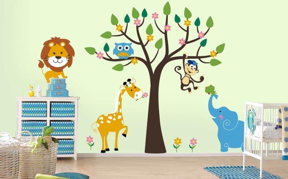 Настенные наклейки в интерьере детской