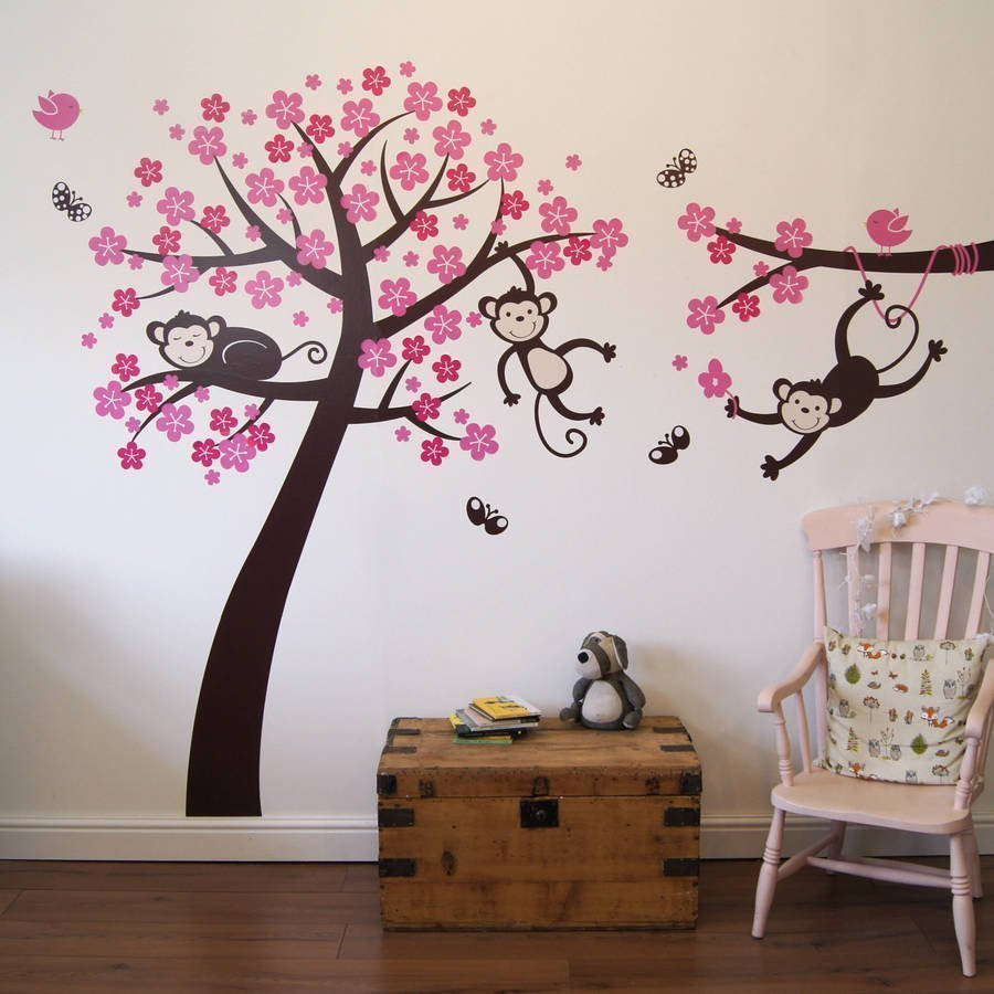 Обезьяны на дереве
