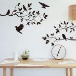 Ветки с птицами на стене