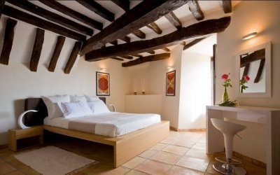 Деревянный потолок в интерьере +75 фото