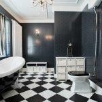 Красивый мебельный гарнитур в ванной