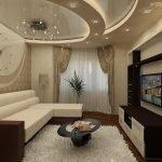 Роскошный потолок в гостиной