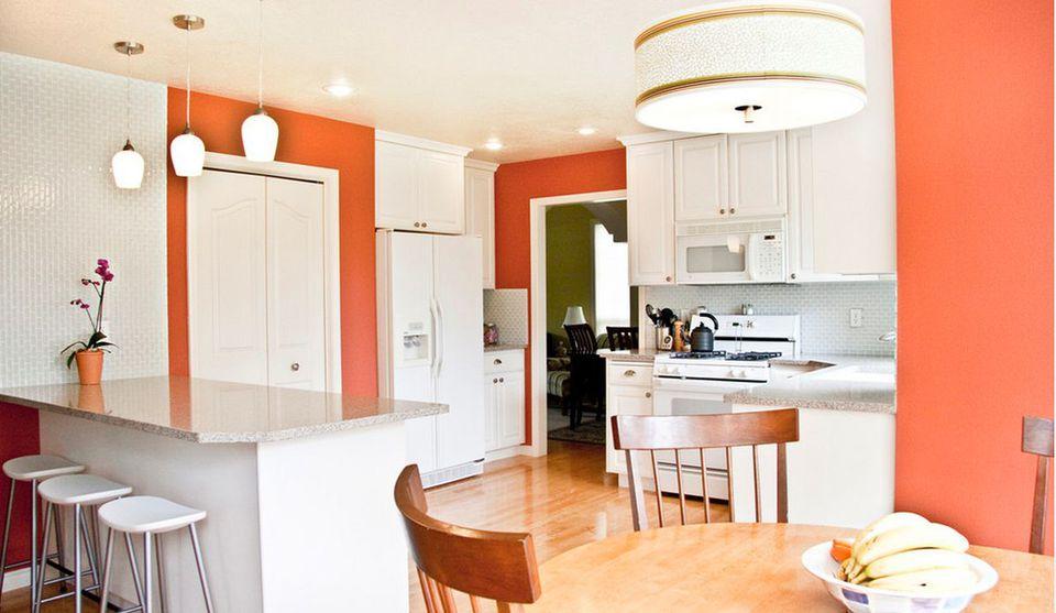 Яркие стены на кухне