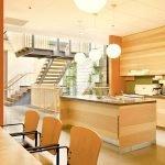 Светлое дерево в дизайне кухни