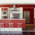 Морковный цвет в интерьере кухни