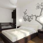 Красивый декор стены в спальне с кроваткой для ребенка