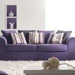 Простой фиолетовый диван