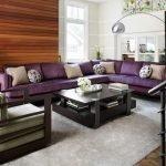 Большой угловой диван для частного дома