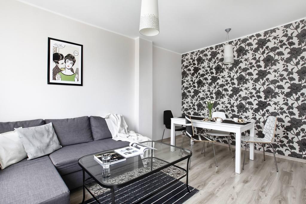 Черно-белые розы в декоре комнаты