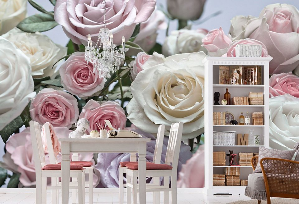 Розовые розы в интерьере